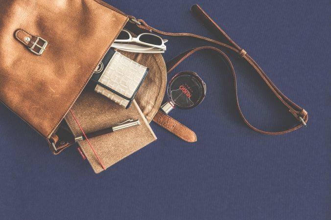 bag-brand-business-167703.jpg
