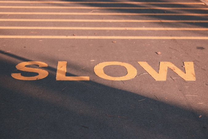 slow-signage-2029478.jpg
